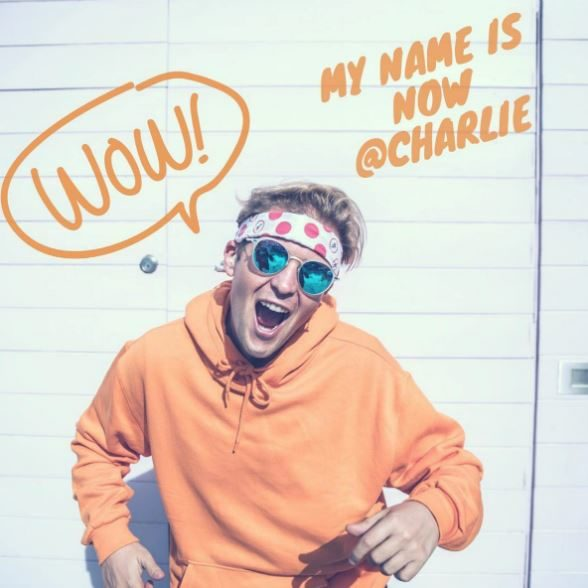 Charlie-on-IG1-circle